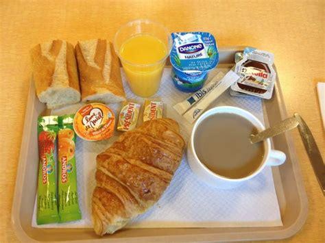chambre d hote valence exemple de petit déjeuner photo de ibis budget toulon