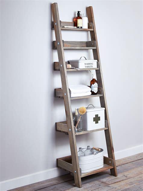 Treppe Als Regal by Cottage Bathroom Look Add This Bathroom Ladder Shelf