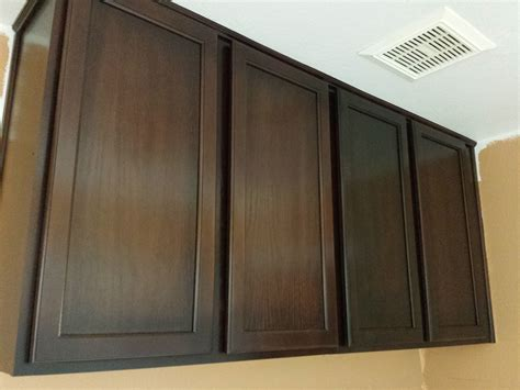 how to restain cabinets restaining kitchen cabinets a darker color roselawnlutheran
