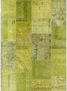 tapis xxl pour salon vintage patchwork 1 anis de la With tapis oriental avec canapé vert anis