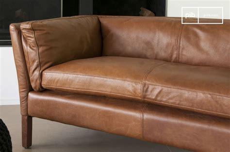teinter un canape en cuir canapé cuir hamar style vintage au design scandinave pib