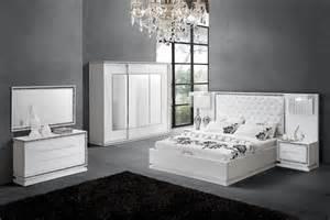peinture chambre à coucher set de chambre king noir chaios com