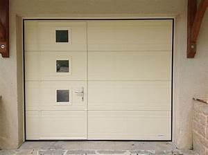 Porte de garage basculante avec portillon et hublot for Porte de garage avec prix des portes