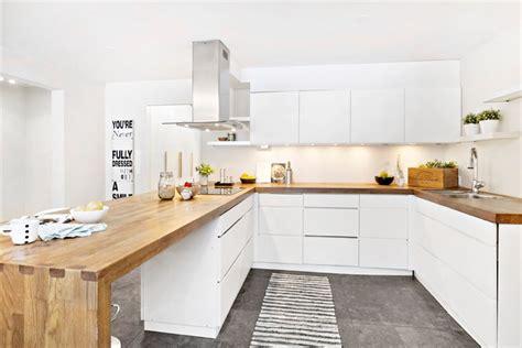 cuisine blanche en bois cuisine cuisine blanc plan de travail bois cuisine blanc