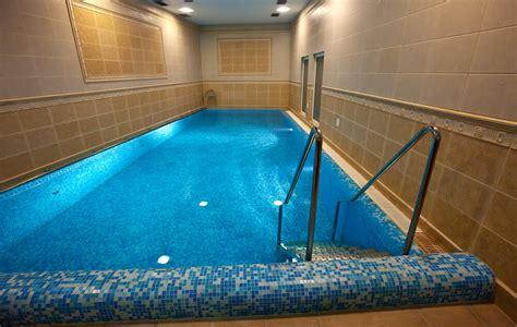 screened   covered pool design ideas