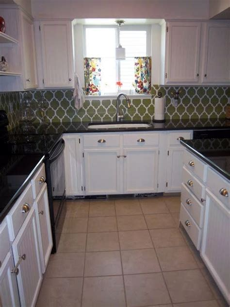 kitchen cabinets pictures gallery 25 great kitchen backsplash ideas the shape keep in 6321