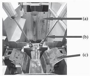Vista Del Interior Del Caj U00f3n De Noqueo  Mostrando La Puerta De Ingreso