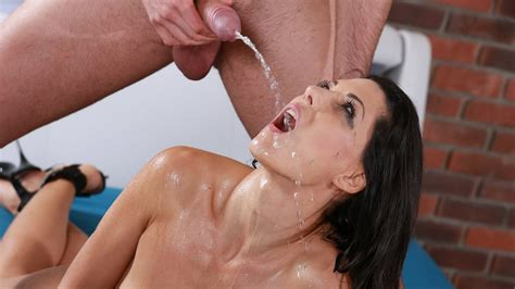Piss Drinking Alexa Tomas Gulps Down Pee In Hot Sex
