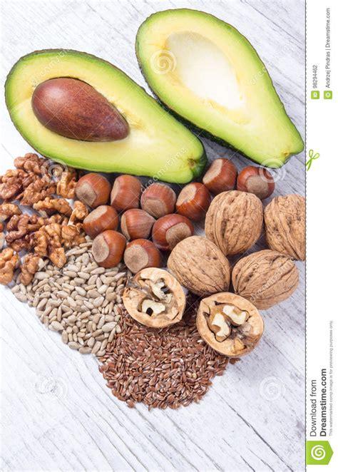 lebensmittel mit omega 3 fettsäuren quellen omega 3 fetts 228 uren enthalten im lebensmittel stockfoto bild fetthaltig