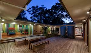 style house plans with interior courtyard small vacation home wraps around large courtyard modern house designs
