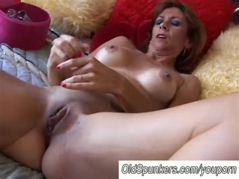 Gorgeous Mature Redhead Is Feeling Horny Free Porn