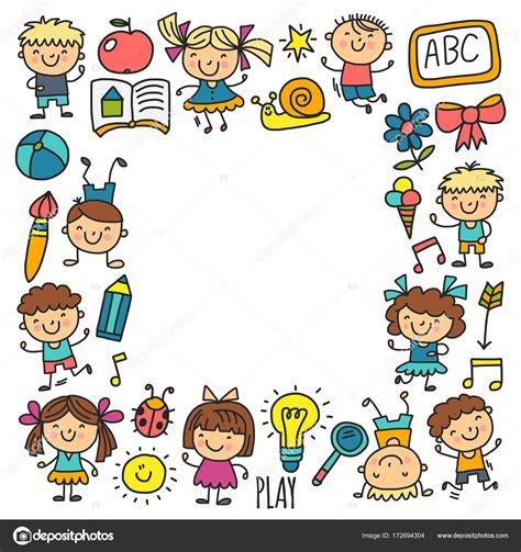 immagini clipart bambini disegno bambini asilo scuola felici dei bambini giocano