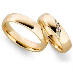 engagement rings with gold bands why gold wedding rings wedding promise engagement rings trendyrings