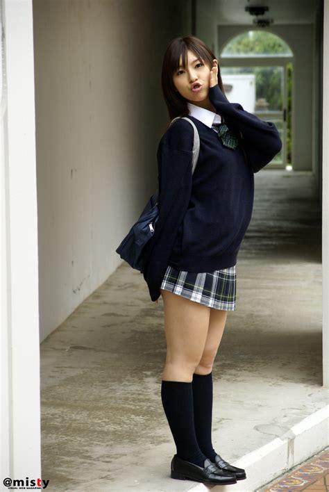 SanoKjiji Sexy Tokyo Teen Posing In School Uniform