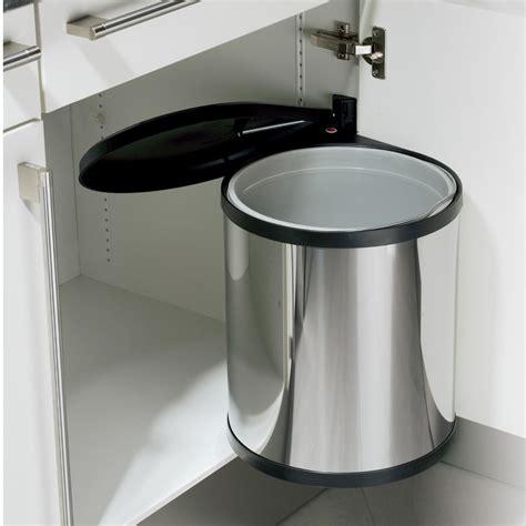 poubelle de cuisine encastrable préserver la déco de sa cuisine avec les poubelles encastrables walldesign