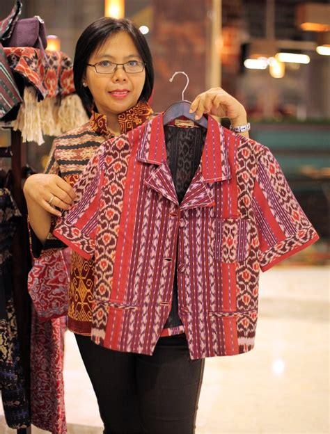 kreasi baju bahan tenun tradisional fashion tenunan ntt