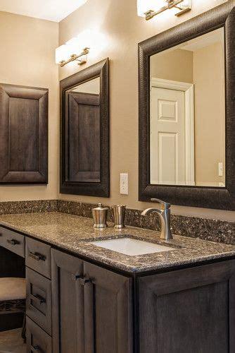 bathroom and kitchen flooring 25 best ideas about single sink vanity on 4343