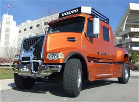 big pickup truck   trucking