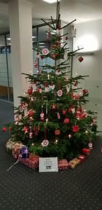 Weihnachtsbaum Rot Weiß : ein weihnachtsbaum in rot und wei meulenwald schule ~ Yasmunasinghe.com Haus und Dekorationen