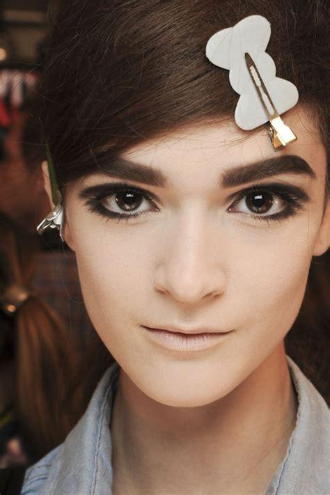 graphic eyeliner  hot eye makeup  inspired   runway