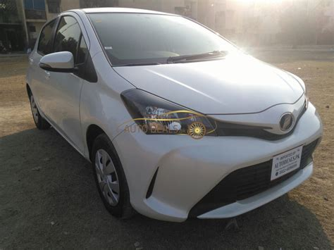 Toyota-vitz-spider-shape-japanese-used-car-in-pakistan-10