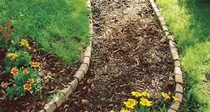 Rindenmulch Als Gartenweg : gartenweg anlegen rindenmulch gartenweg und gartenwege ~ Lizthompson.info Haus und Dekorationen