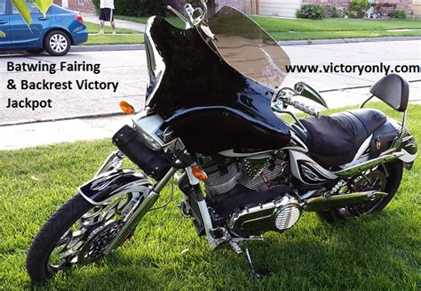 Victory Motorcycle Batwing Fairing Windshield And Mount