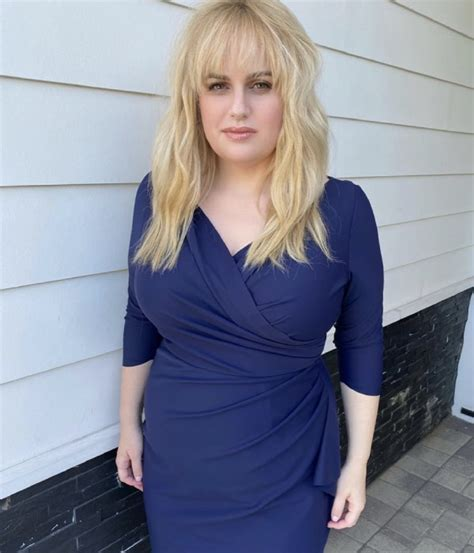 Rebel Wilson wows in swimsuit selfie inside beautiful ...