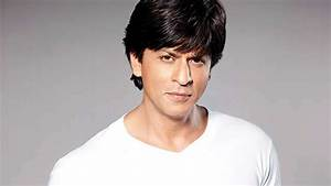 Fire In Front Of Shahrukh Khan's Bungalow, 1 Dead | MT