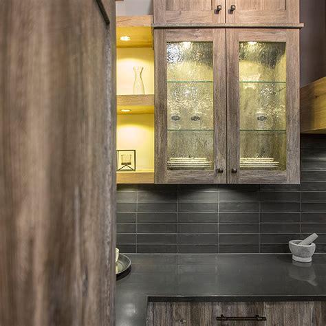 cuisine en m駘amine cuisines beauregard armoires de cuisine réalisation b5 armoires de cuisine