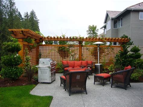 Perfect And Cheap Privacy Fence Ideas For Backyard