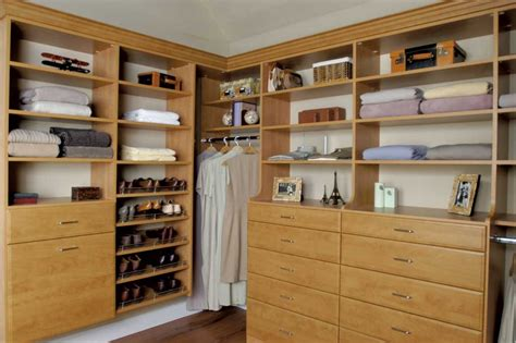 Vermont Closets elizabeth warren gives tips on closet clean up diy home