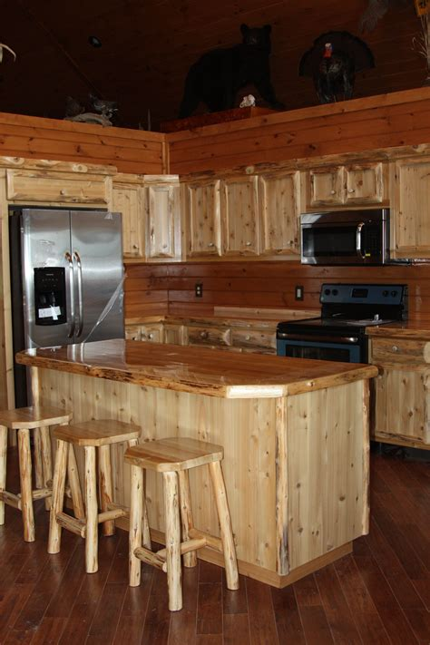 rustic cedar kitchen cabinets hand crafted custom rustic cedar kitchen cabinets by king