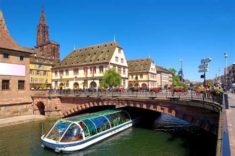Bateau Mouche Sous Un Pont by Pack S 233 Jour D 233 Couvrez Strasbourg En Batorama Pack S 233 Jour