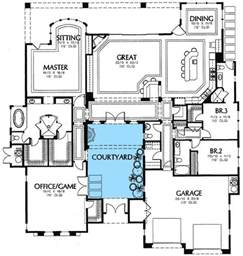 house plans with courtyards best 25 interior courtyard house plans ideas on courtyard house plans u shaped