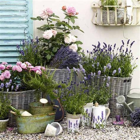 Wie Gestalte Ich Meinen Balkon by Die Besten 20 Blumen Im Blumentopf Ideen Auf