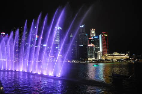 Light Show by Singapore Marina Bay Sands Light And Water Show The