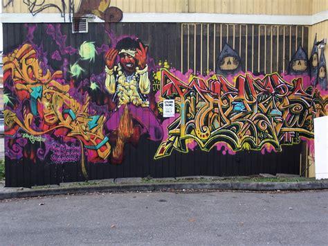 Graffiti Wa : Tacoma, Wa Graffiti At The Railroad Track
