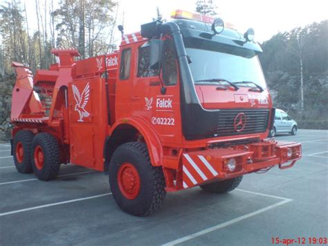 Get this car in here : Mercedes (6x6) TOW - FALCK | Heavy truck, Mercedes benz trucks, Vehicles