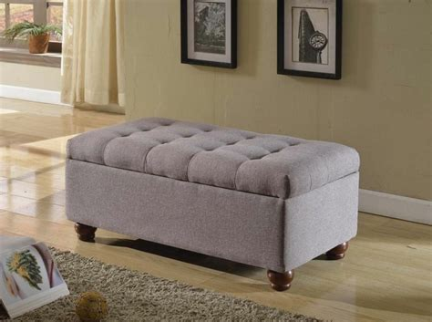 meuble de rangement pour chambre bout de lit coffre un meuble de rangement astucieux