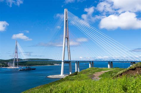Construction of а cable-stayed bridge to the Russky Island ...