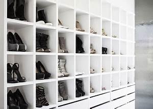 Schrank Für Schuhe : begehbarer schrank mit platz f r schuhe kollektion wohnideen einrichten ~ Orissabook.com Haus und Dekorationen