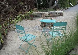 Gartenmöbel Aus Metall : gartenm bel material und stil passendes mobiliar f r jeden gartenstil ~ One.caynefoto.club Haus und Dekorationen