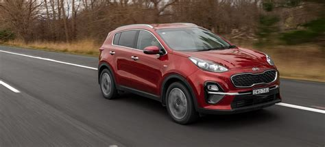 kia sportage review price features