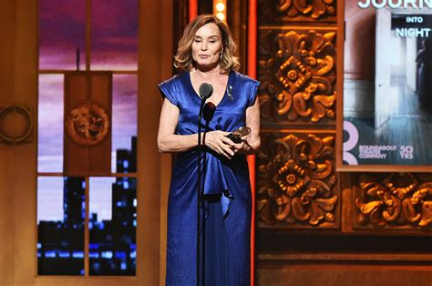 actress who plays jessica day jessica lange wins for lead actress in a play for long