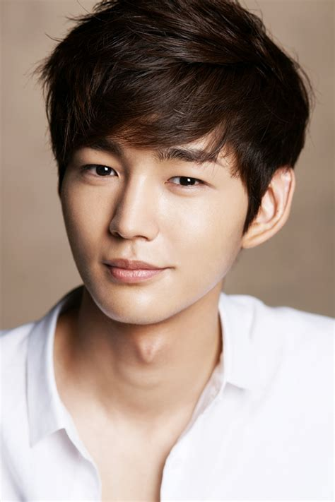 Lee Won Geun Confirmed to Play Jeon Do Yeon's Rival