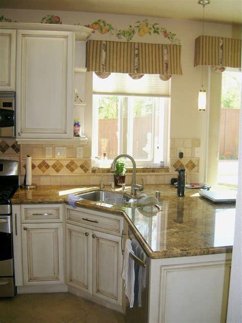 Best 25  Small kitchen peninsulas ideas on Pinterest