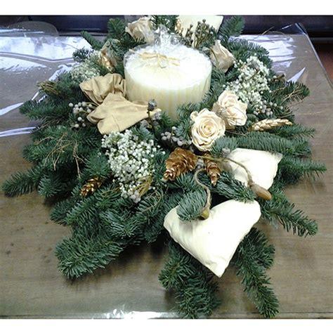 centro tavola con candele centro tavola natalizio con candele idee immagine di