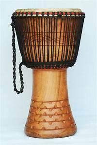 Djembé Pas Cher : djembe 3419 vente de djemb pas cher grand djemb du ghana ~ Teatrodelosmanantiales.com Idées de Décoration