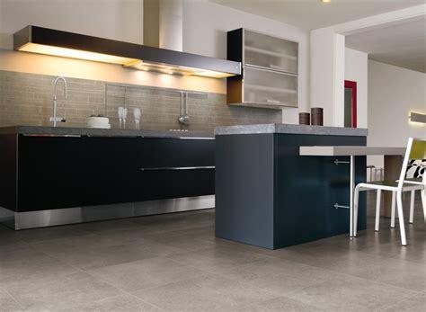 carrelage pour sol de cuisine conseils pour choisir un revêtement de sol de cuisine